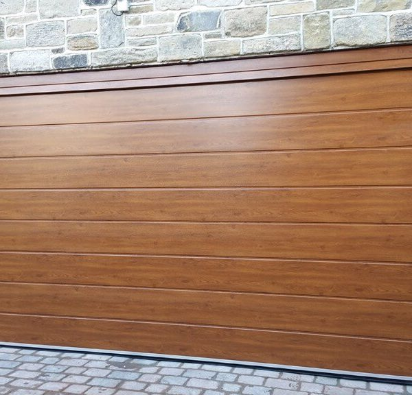 Portes de garage électriques, avantages de ce dispositif d'ouverture